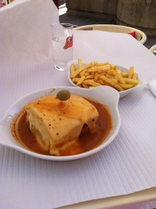 Lunch in Porto! Francesinha.